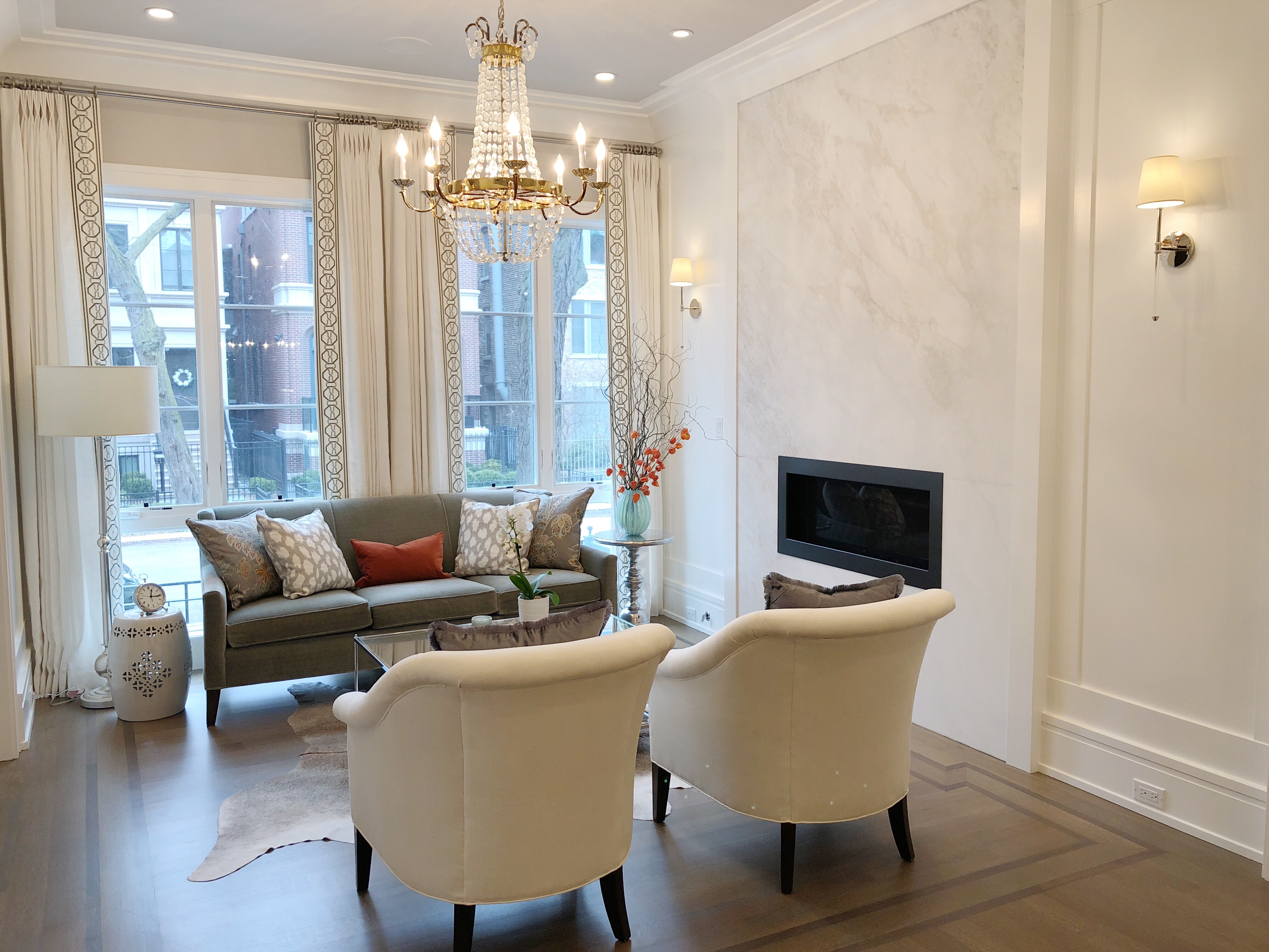 Lincoln Park Living Room | Avery Graham Interiors LLC