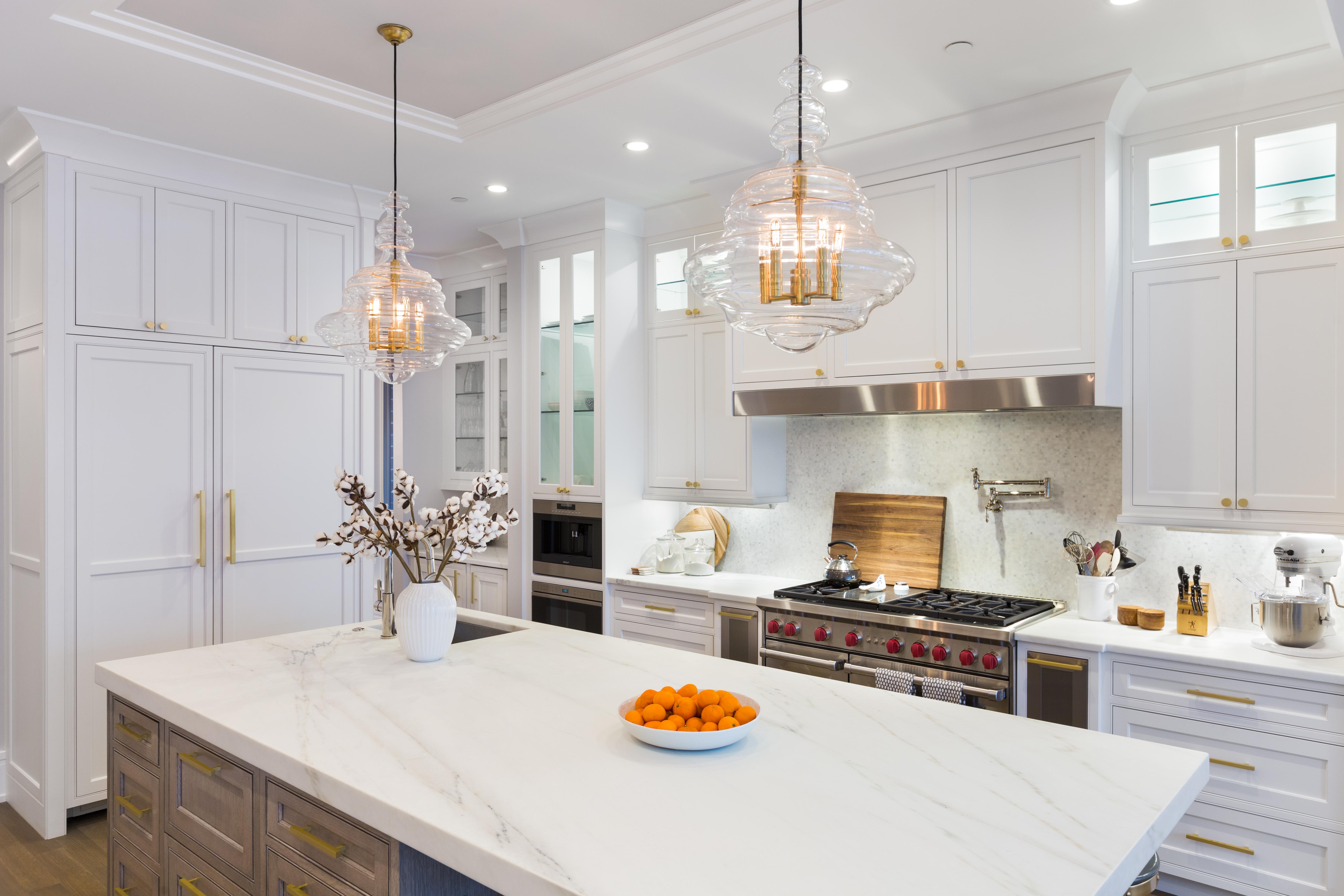 Lincoln Park Kitchen | Avery Graham Interiors LLC
